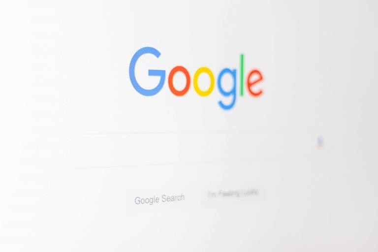 Bagaimana cara mencari informasi menggunakan search engine pada internet,apa itu search engine ketahui fungsi